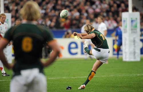 Percy Montgomery kicks a penalty for South Africa during the World Cup final 2007