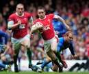 Shane Williams races away with Gethin Jenkins in support