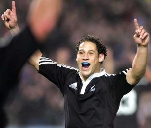 New Zealand Maori centre Luke McAlister celebrates victory, New Zealand Maori v British & Irish Lions, Waikato Stadium, Hamilton, June 11, 2005
