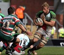 Harlequins flanker Chris Robshaw takes on Ben Youngs