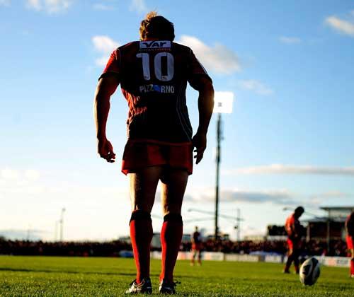 Toulon fly-half Jonny Wilkinson lines up a penalty