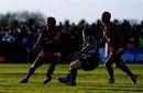 Toulon fly-half Jonny Wilkinson fires an offload
