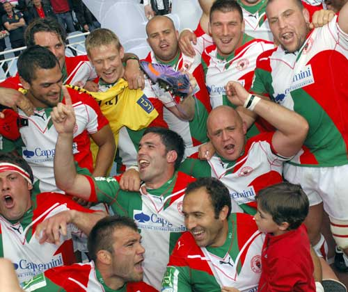 Biarritz celebrate their Heineken Cup semi-final win against Munster