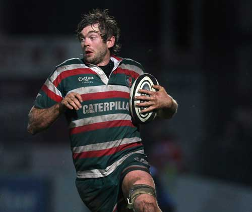 Leicester's Geoff Parling charges forward