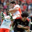 Biarritz scrum-half Dimitri Yachvili claims the ball