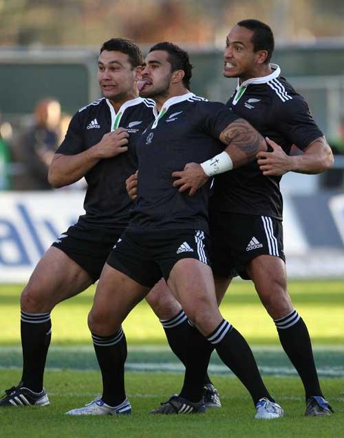 New Zealand Maori skipper Liam Messam leads the Haka