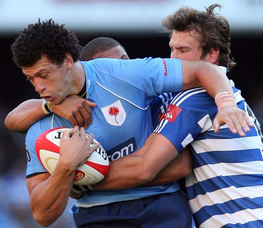 Blue Bulls fullback Zane Kirchner scraps with the Western Province defence