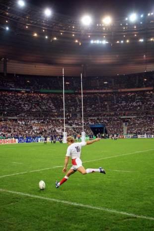 England fly-half Jonny Wilkinson kicks for goal, France v England, World Cup semi-final, Stade de France, October 13 2007.