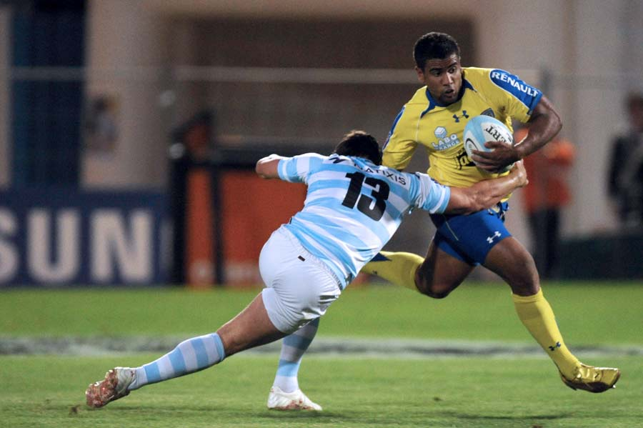 Clermont's Wesley Fofana takes the long way around Henry Chavancy