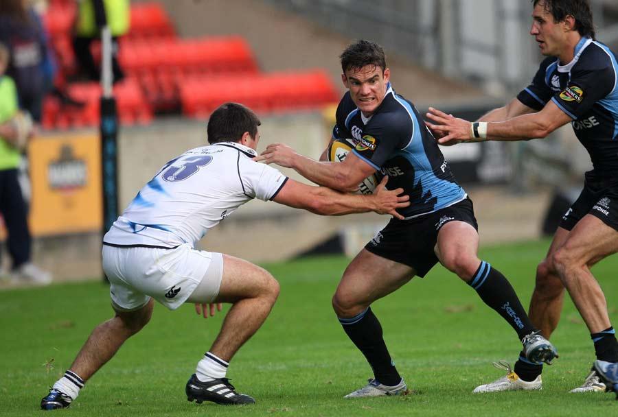 Glasgow's Max Evans steps inside Eoin O'Malley