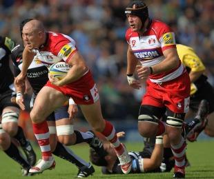 Gloucester centre Mike Tindall breaks forward