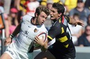 Toulouse wing Vincent Clerc breaks clear