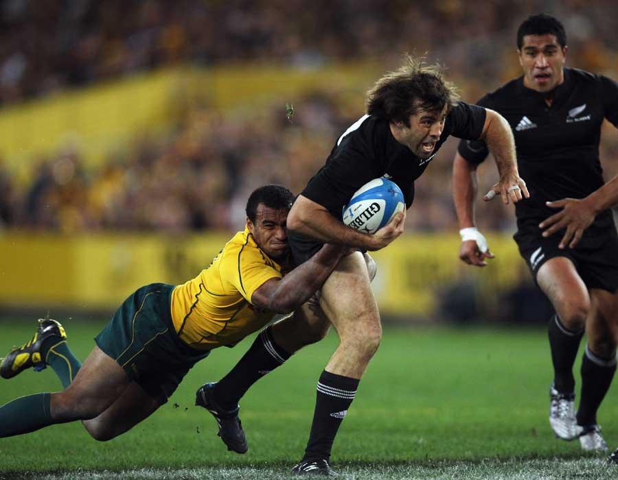 Conrad Smith challenges Australia's defence