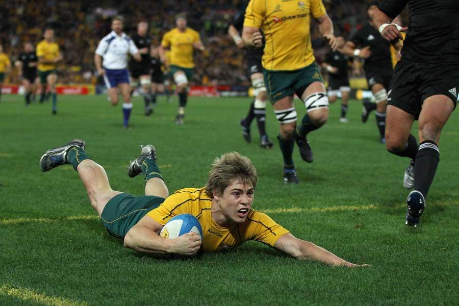 James O'Connor slides in at the corner for Australia