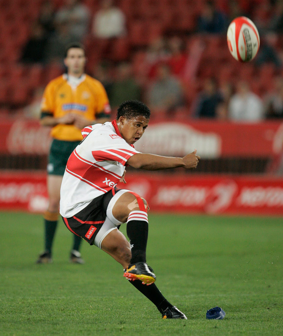 Lions Fly Half Elton Jantjies Kicks A Conversion Rugby