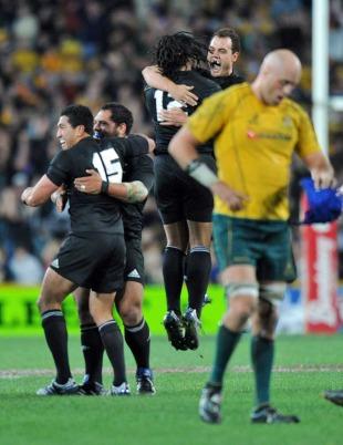 New Zealand celebrate beating Australia
