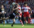 Gloucester's Charlie Sharples beats Dave Walder to a high ball