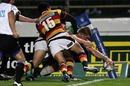 Manawatu's Michael Fitzgerald reaches out to score