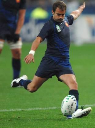 Jean-Baptiste Elissalde kicks for goal against Ireland, France v Ireland, World Cup, Stade de France, September 21 2007.