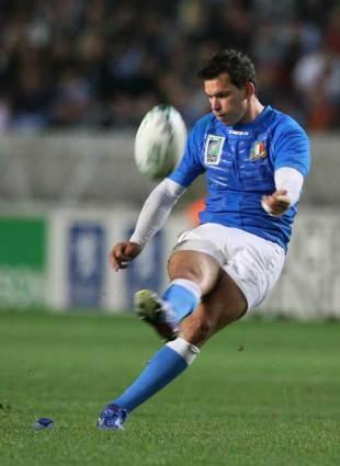 Italy full-back David Bortolussi kicks for goal, Italy v Portugal, World Cup, Parc des Princes, September 19 2007.