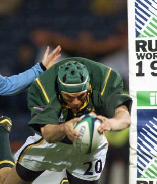 South Africa lock Albert van den berg dives in to score against Uruguay, South Africa v Uruguay, World Cup, Hampden Park, October 15 1999
