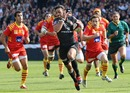 Clement Poitrenaud streaks away from the Perpignan defenders