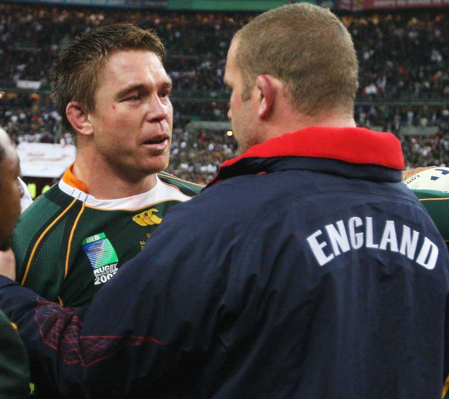 England's Phil Vickery congratulates South Africa captain John Smit at the end of the 2007 World Cup final
