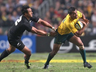 Australia's Kurtley Beale evades New Zealand's Isaia Toeava, Australia v New Zealand, Bledisloe Cup, Hong Kong Stadium, Hong Kong, China, October 30, 2010
