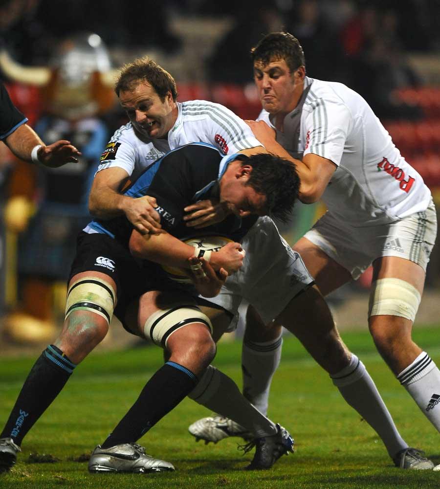DTH van der Merwe fights to keep possession