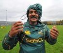 Springboks coach Peter de Villiers battles the elements
