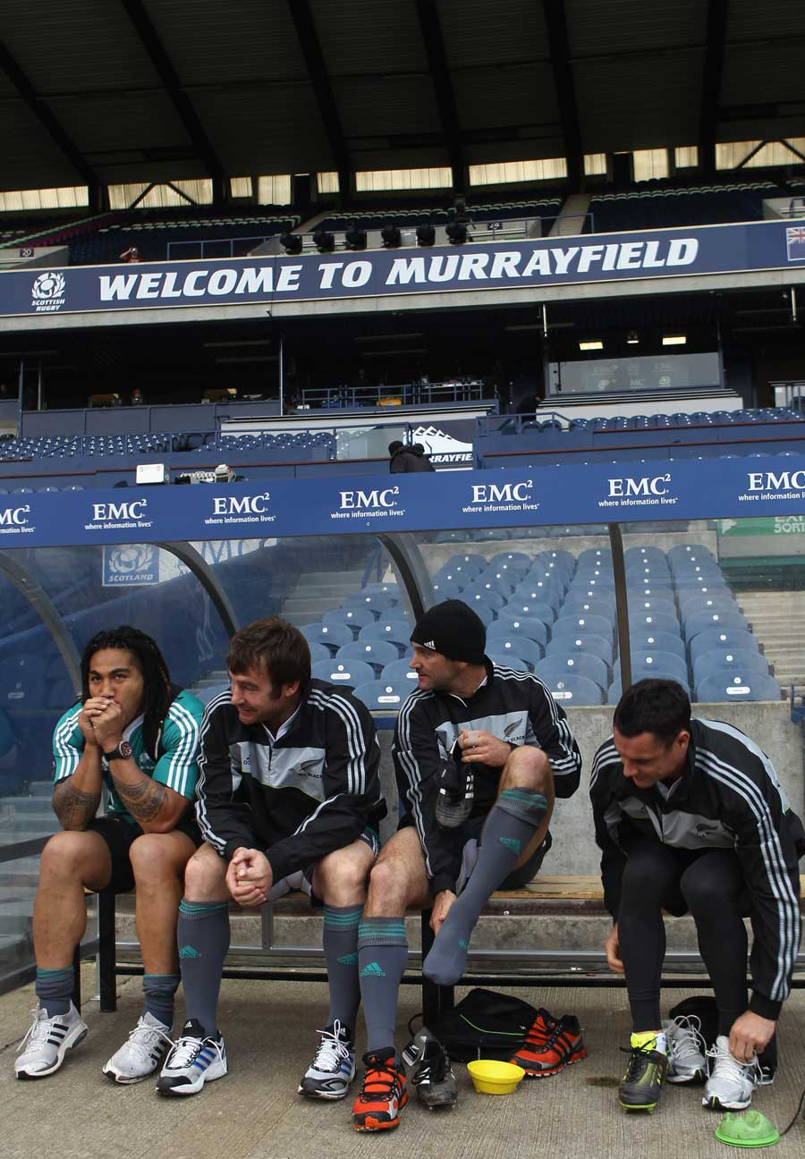 All Blacks Ma'a Nonu, Andrew Hore, Stephen Donald and Dan Carter suit up for training