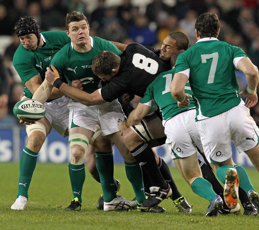 Ireland's Brian O'Driscoll looks for the offload, Ireland v New Zealand, Aviva Stadium, Dublin, Ireland, November 20, 2010