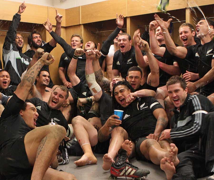 New Zealand celebrate clinching the Grand Slam