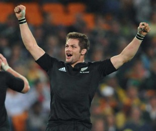 New Zealand's Richie McCaw celebrates victory, South Africa v New Zealand, Tri-Nations, FNB Stadium, Johannesburg, South Africa, August 21, 2010