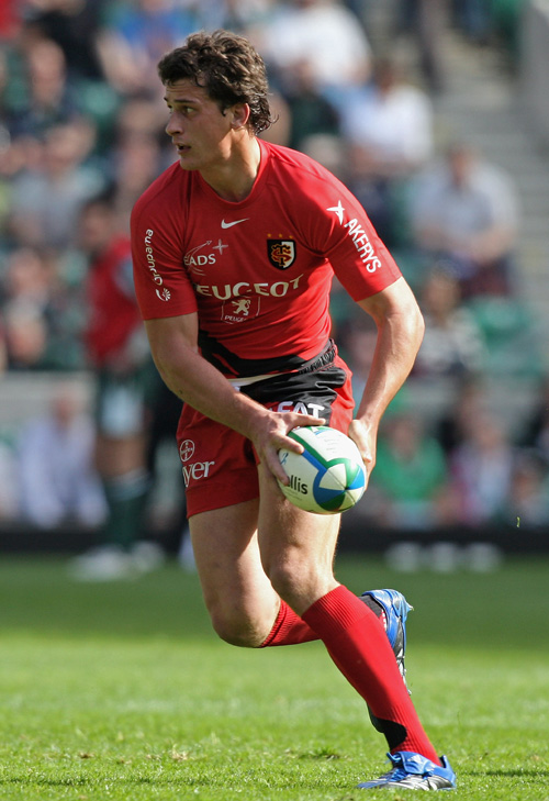 Yannick Jauzion of Toulouse runs with the ball