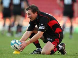 Glen Jackson of Saracens lines up a kick during the European Challenge Cup game between Saracens and Mont de Marsan at Vicarage Road in Watford, England on October 12, 2008.