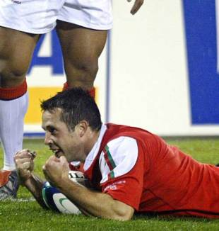 Wales scrum-half Gareth Cooper celebrates a try, Wales v Tonga, World Cup, Canberra Stadium, October 19 2003
