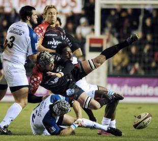 Toulon No.8 Joe van Niekerk is felled