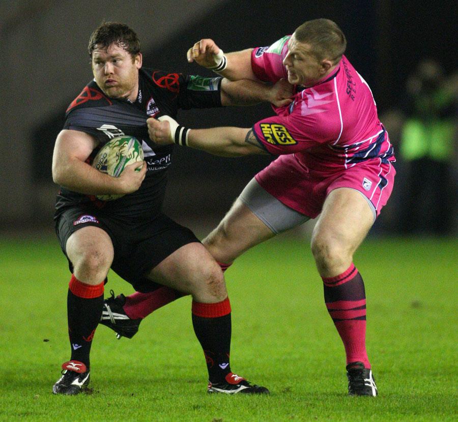 Edinburgh's Allan Jacobsen shrugs off Cardiff's Scott Andrews