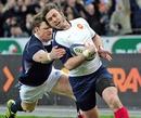 France's Maxime Medard evades Scotland's Nikki Walker