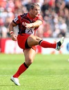 Toulon's Tom May slots a kick
