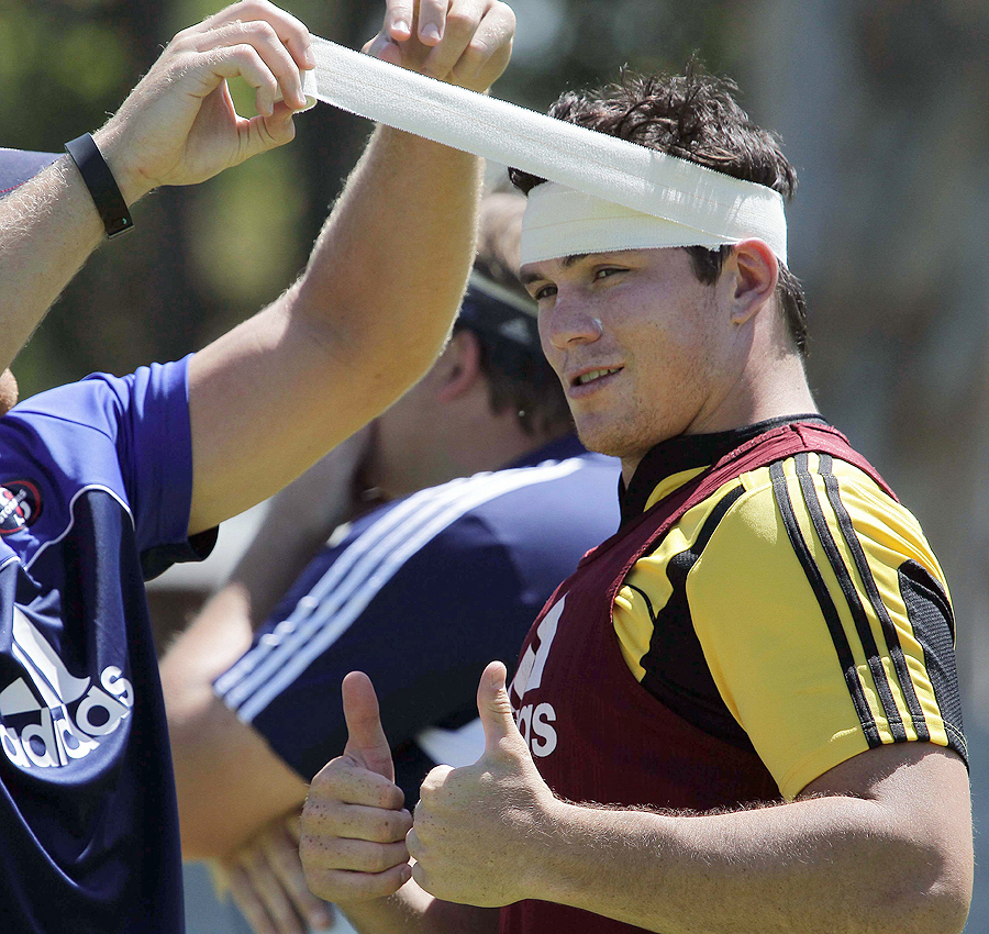 Francois Louw has his head strapped at Stormers training