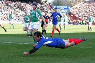 Benoit Baby dives in to score against Ireland at Lansdowne Road, March 12 2005