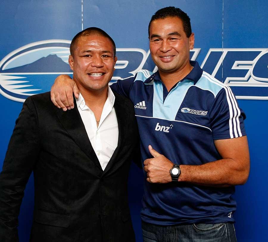 Blues hooker Keven Mealamu poses with coach Pat Lam