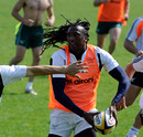 Aironi winger Danwel Demas prepares to pass
