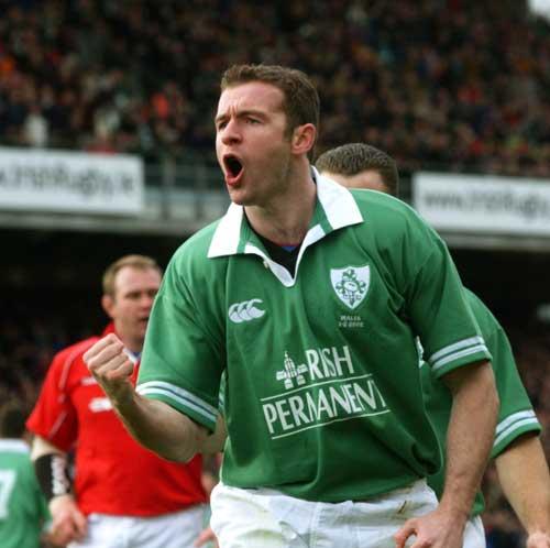 Geordan Murphy celebrates a try