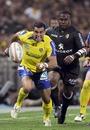 Clermont Auvergne centre Gonzalo Canale breaks away