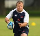 Waratahs prop Benn Robinson passes