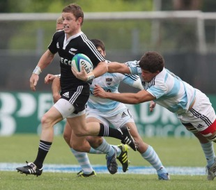 New Zealand's Brad Weber evades a tackle, New Zealand v Argentina, IRB Junior World Championship, Stadio Plebiscito, Padova, Italy, June 18, 2011