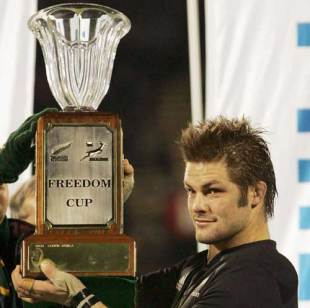 Richie McCaw lifts the Freedom Cup after the All Blacks victory over South Africa, July 14 2007